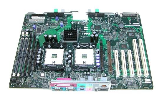 Placa de baza a unui workstation Dell Precision